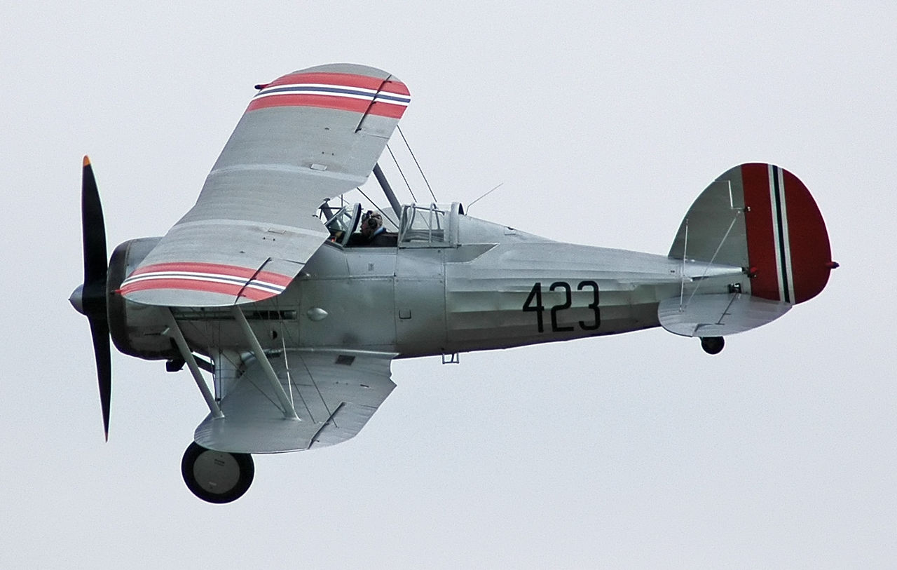 Gladiator I in pre-Second World War Norwegian Army Air Service colours.jpg